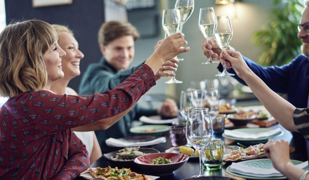 Ravintola Andrea Helsingin keskustassa sopii täydellisesti pikkujoulujen juhlintaan. Koko ravintolan voi vuokrata yksityiskäyttöön jopa 90 henkilölle.