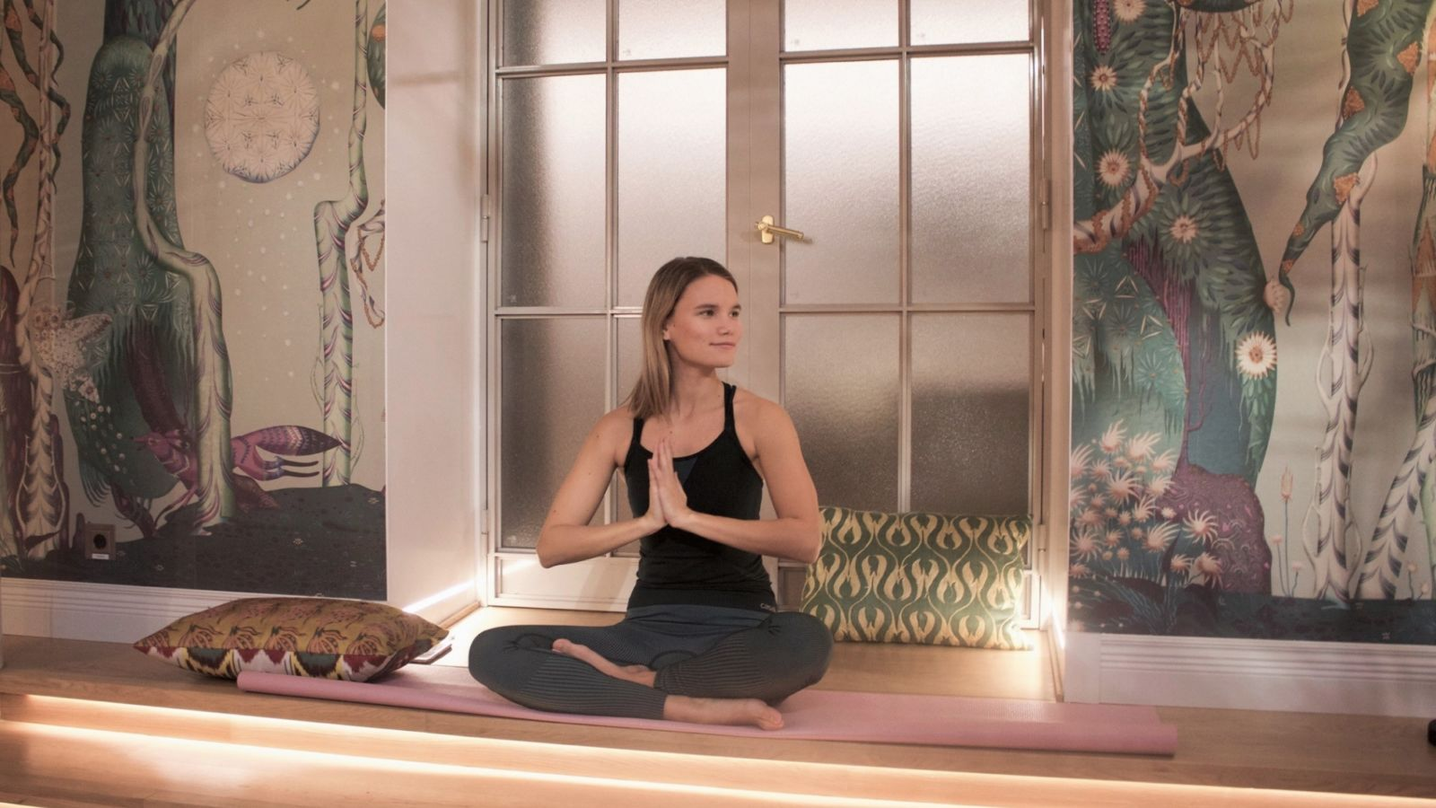 Join our rejuvenating yoga session in the most zen spot in Helsinki on the 15th of December from 9.00 am till 10.15 am. ​​