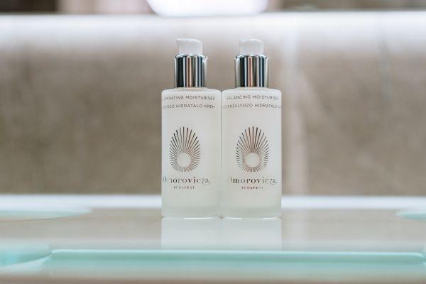 Maailmalla ylistetty Omorovicza-kosmetiikkasarja on nyt Suomessa