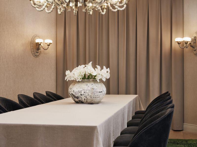 Hotel St. Georgen Salonki Elias on Wintergardenin kokoustila Helsingissä, joka on omistettu talon historialle.