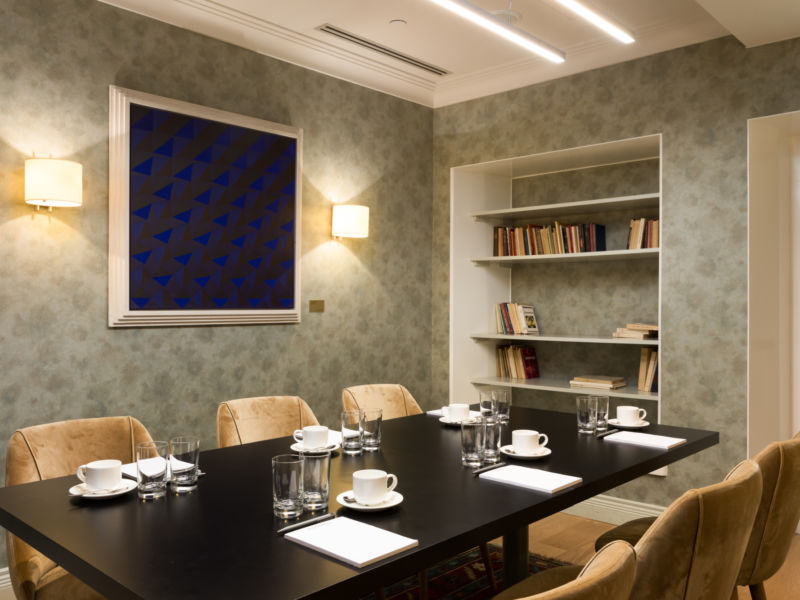 Salon Edith at Hotel St. George Helsinki is an intimate space for meetings and celebrations.