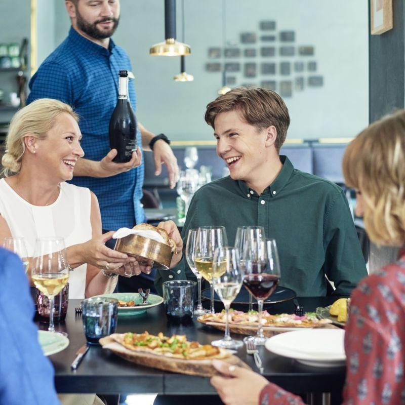 Äitienpäivän lounas Ravintola Andrea Helsinki